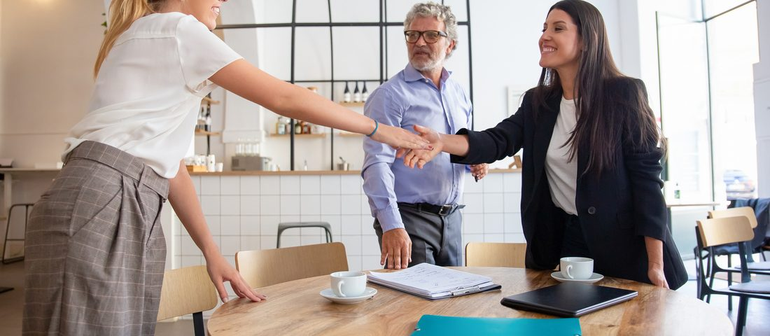 A H.E.A.T modell egy remek ügyfélkezelési eszköz, amely segít a dühös ügyfél haragjának megnyugtató kezelésében és a megoldás megtalálásában.